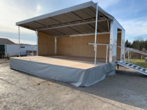 PORTABLE STAGE TRAILER