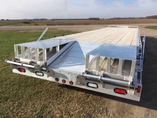 "MDO35B-10 W/ TOOL BOX, 3"" FLIP OVER RAMPS & REVERSE LIGHTS"
